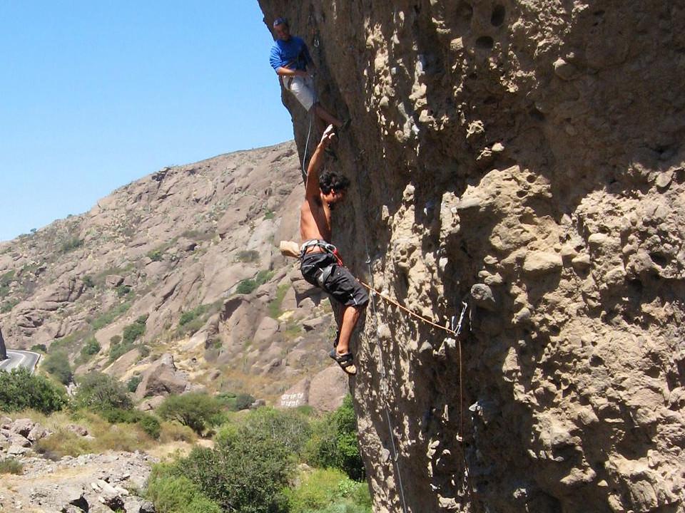 Las Chilcas climbing falling